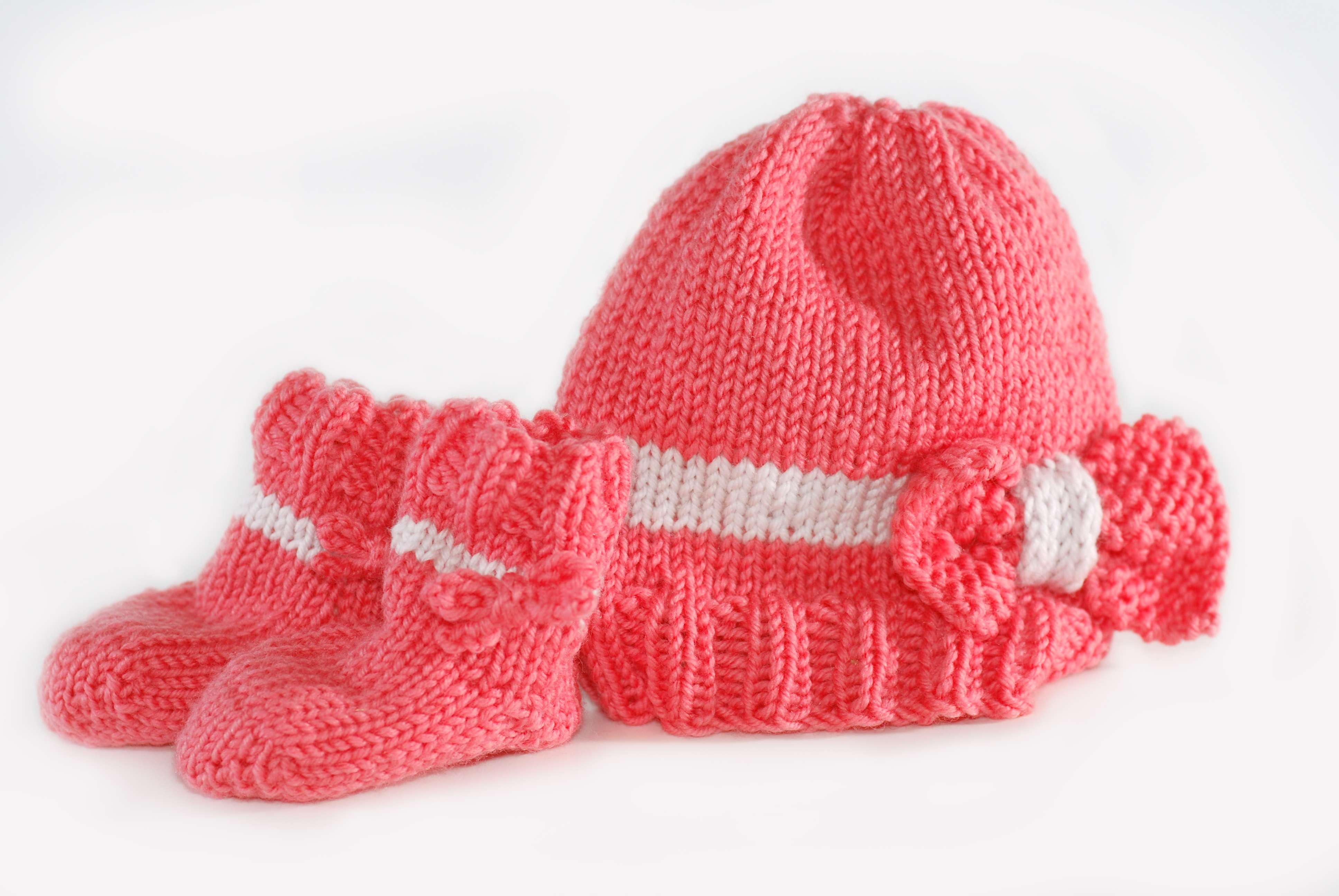 59bf989a84ab Baby Bow Hat and Booties « KB Looms Blog