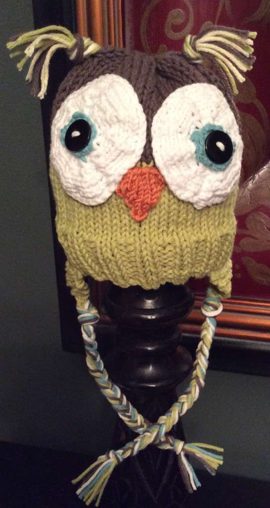 Owl hat loom knitted 2