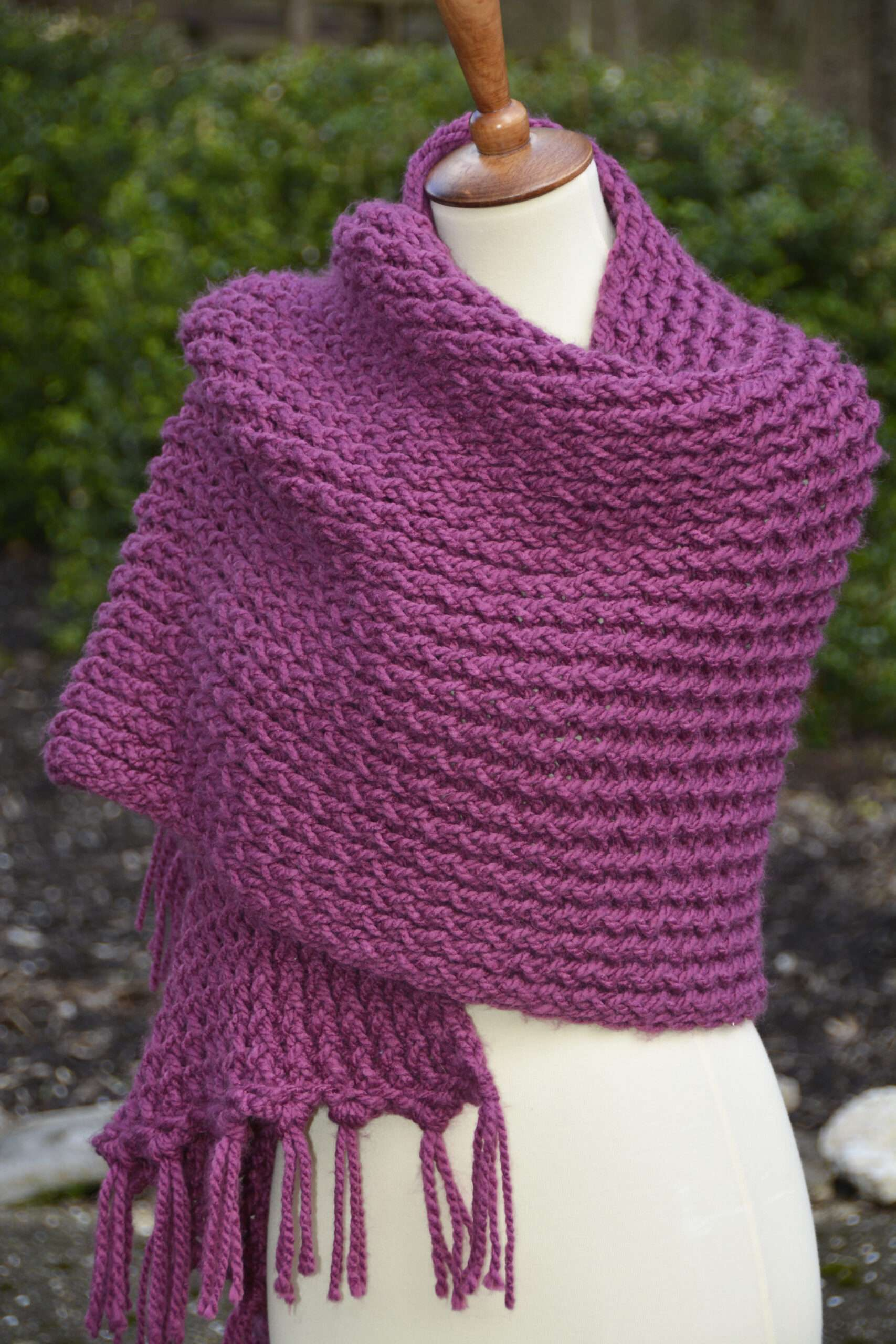 Easy Double Knit Shawl - KB Looms Blog