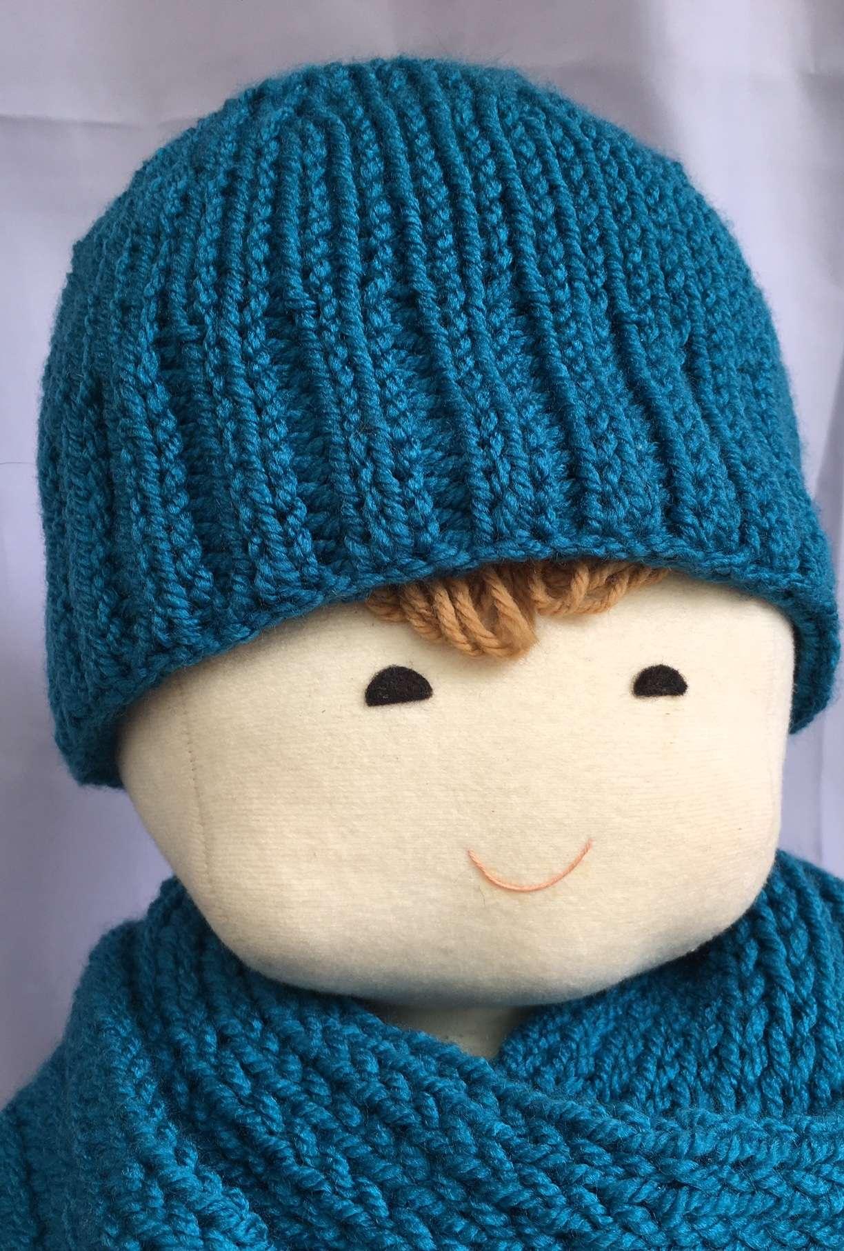 Elizabeth with hat:scarf