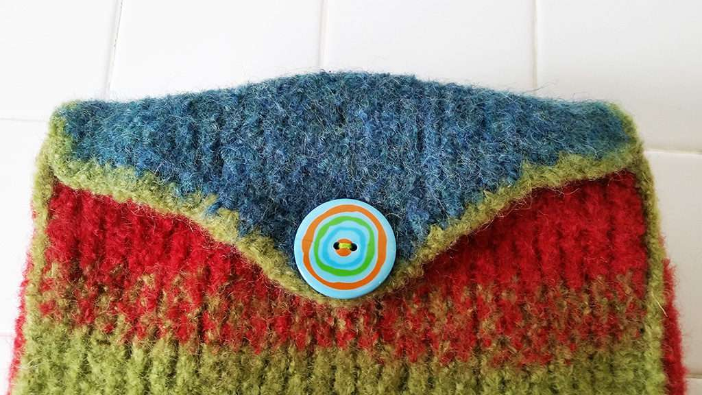 Felted Casserole Cozy-button flap