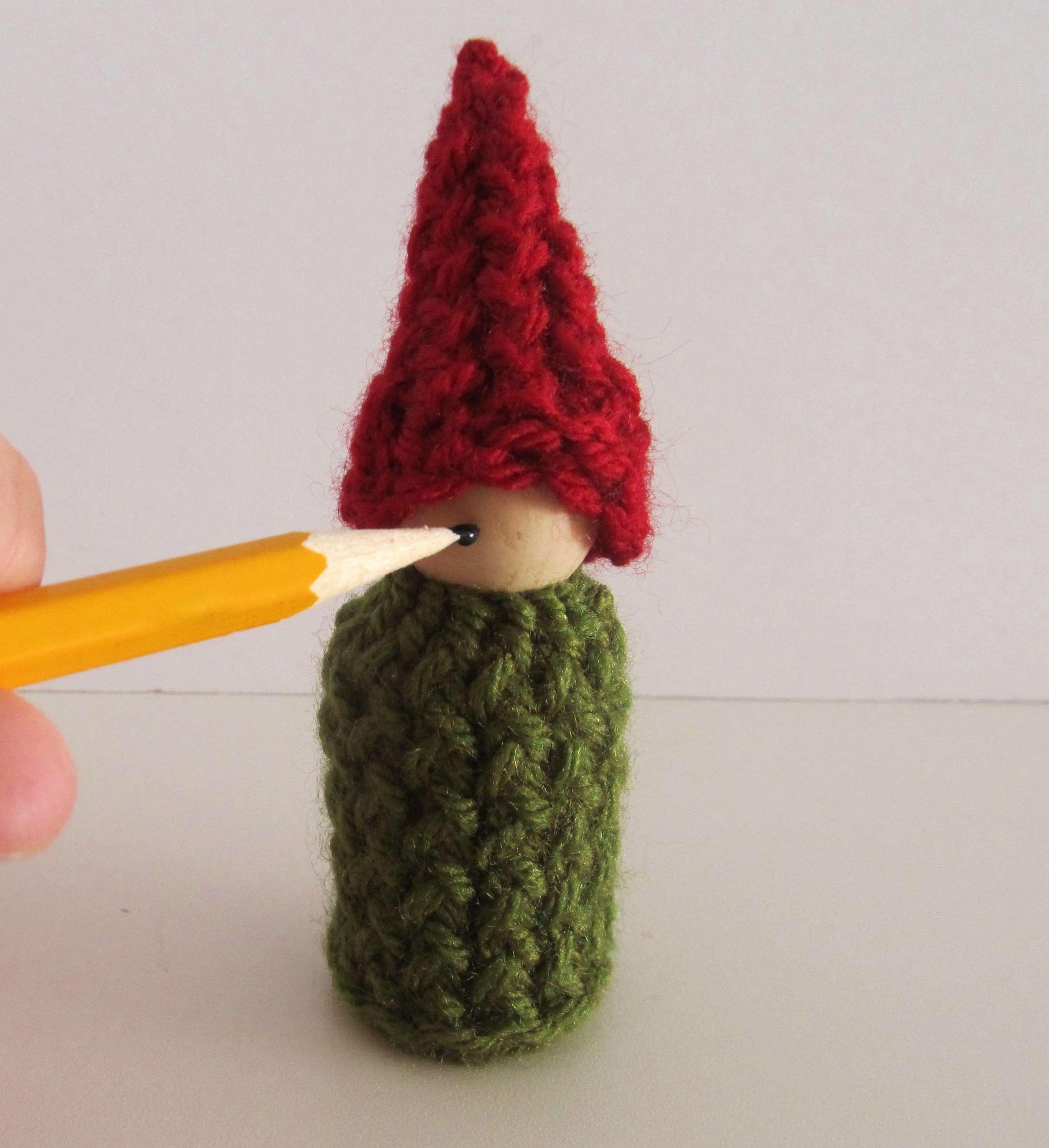 Whimsical Loom Knits – Mini Gnome