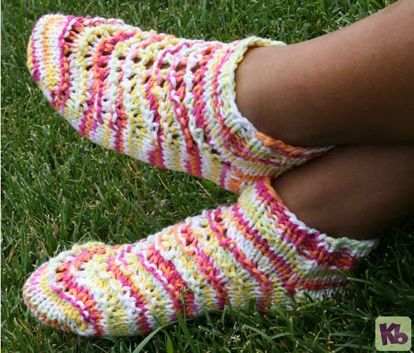 Free Knitting Pattern For Baby Headband : Summer Footies   Knitting Board Blog