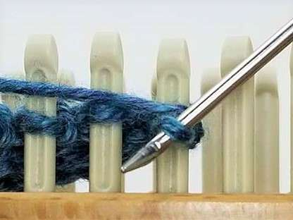 Loom FAQs:  How Do I Bind Off In Pattern?  Or Beyond The Basic Bind Off…