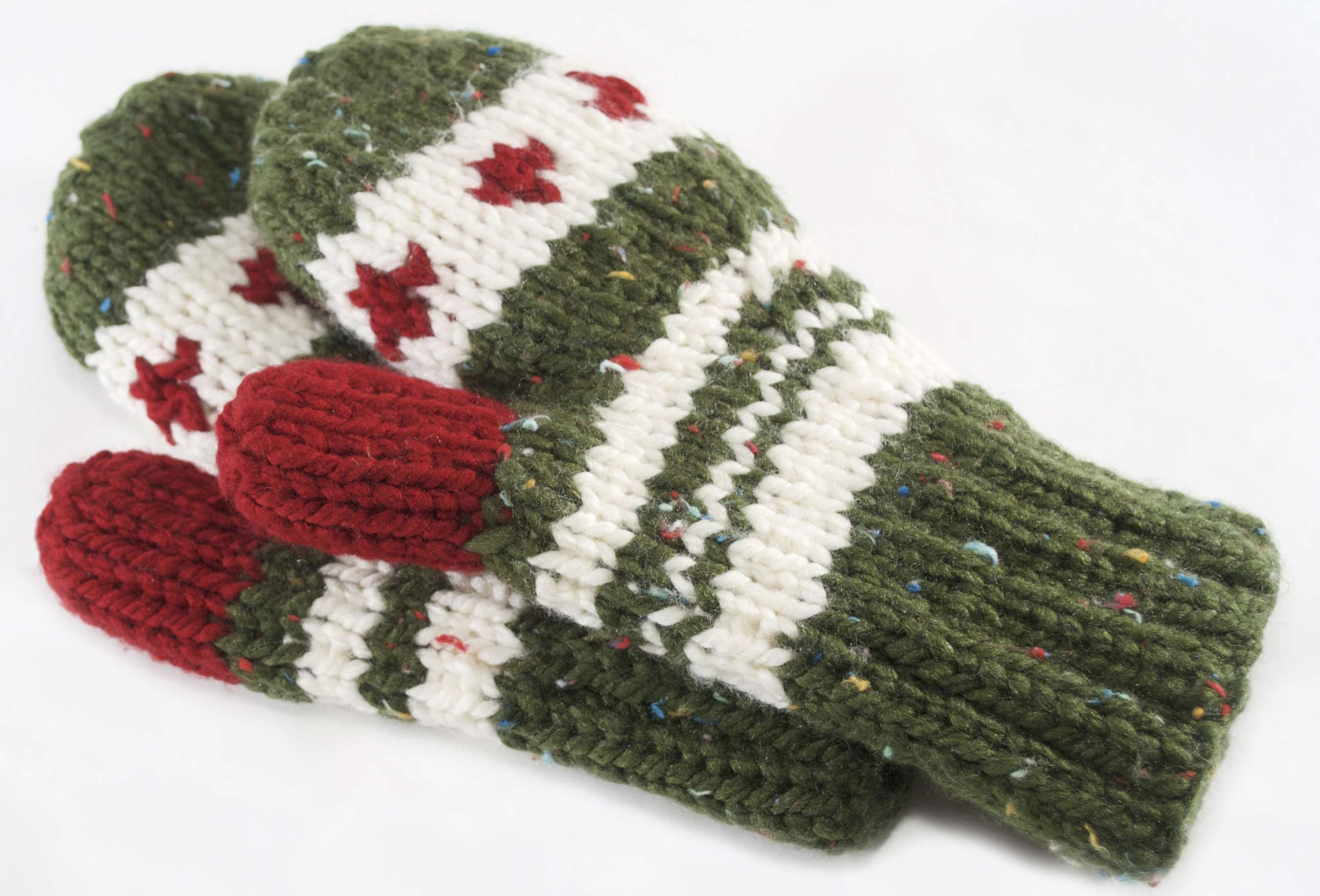 Spruce Berry Mittens